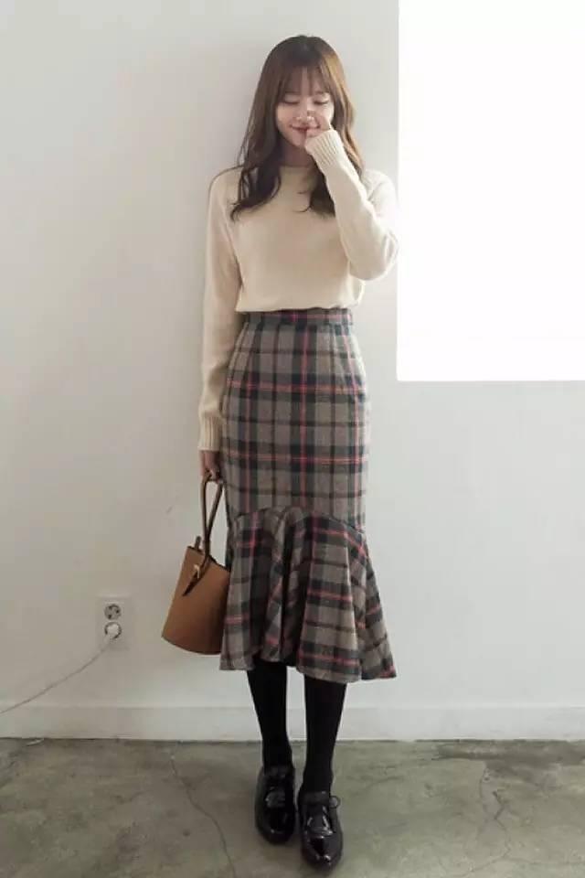 中長款的a字長裙是最不挑人的一款長裙,即便身高不夠,也可以嘗試,只要圖片