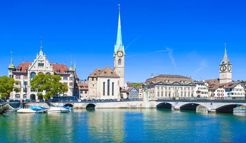 钟楼教育_威尼斯>圣马可广场>圣马可大教堂>圣马可钟楼>叹息桥>威尼斯水晶玻璃
