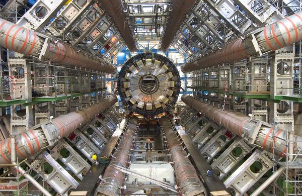 中青报:中国该不该建巨型对撞机的照片