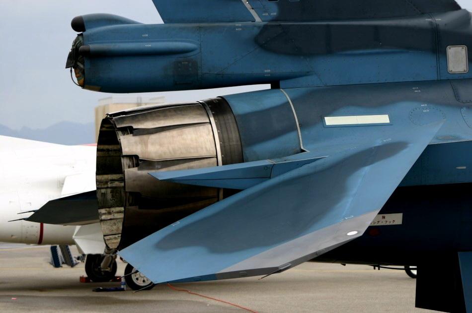 x31喷式战斗机_日本战机发动机喷口高清图发动机研发水平不如中国