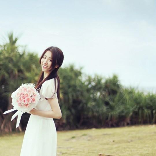 柳秀荣朴河宣婚纱自拍公开 甜蜜幸福令人羡