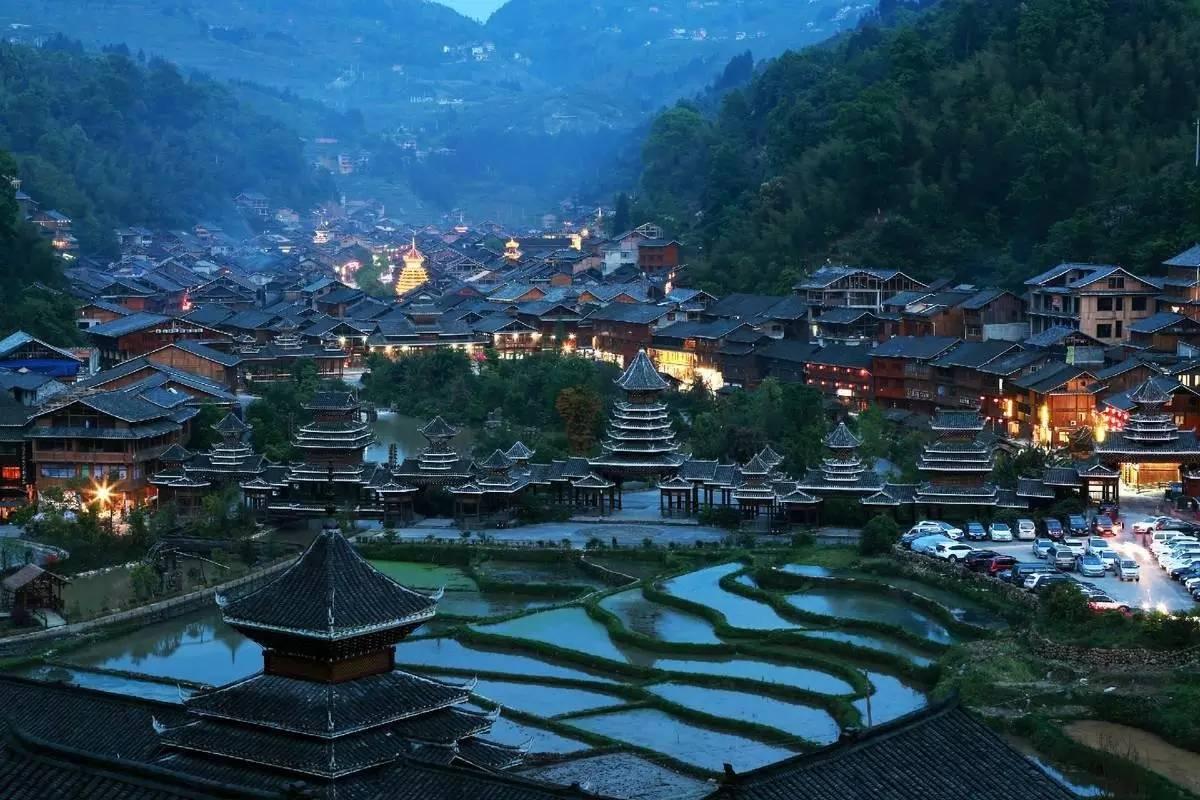 黄果树瀑布画_走完贵州,我想在这8个古寨都安一个家