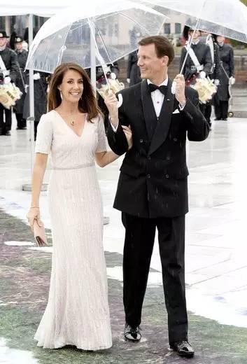 丹麦二王妃_丹麦二王子joachim王子和王妃marie.