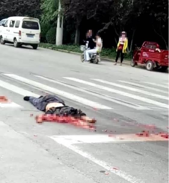车祸死亡_惨不忍睹!沛敬路高速路口发生重大车祸 致两人死亡