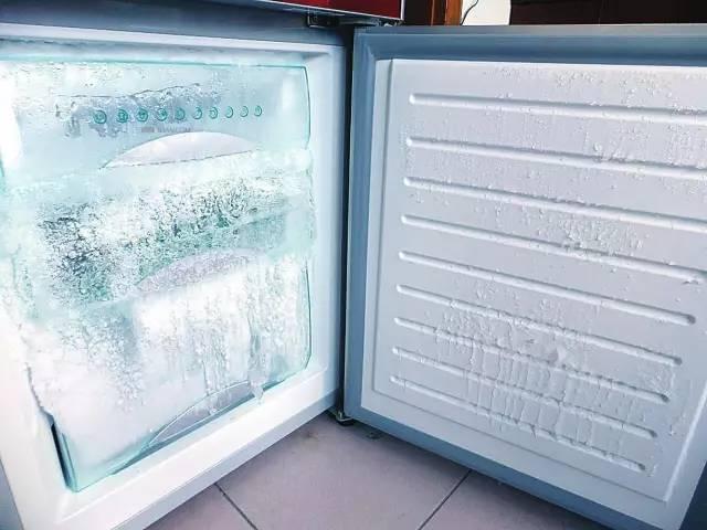 没冰箱怎么制作冰块_教你一招,轻松除掉冰箱里的冰块!