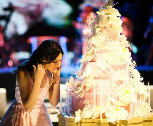 玛雅成人论坛新地址删除_花了4000万的成人礼派对是种怎样的体验
