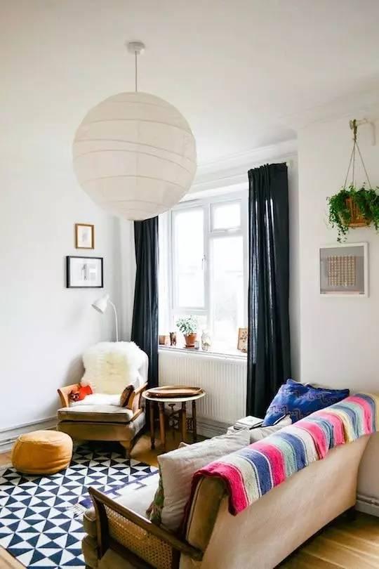 影视墙装仺+���_看完北欧设计师的客厅搭配,我把家里的茶几扔了