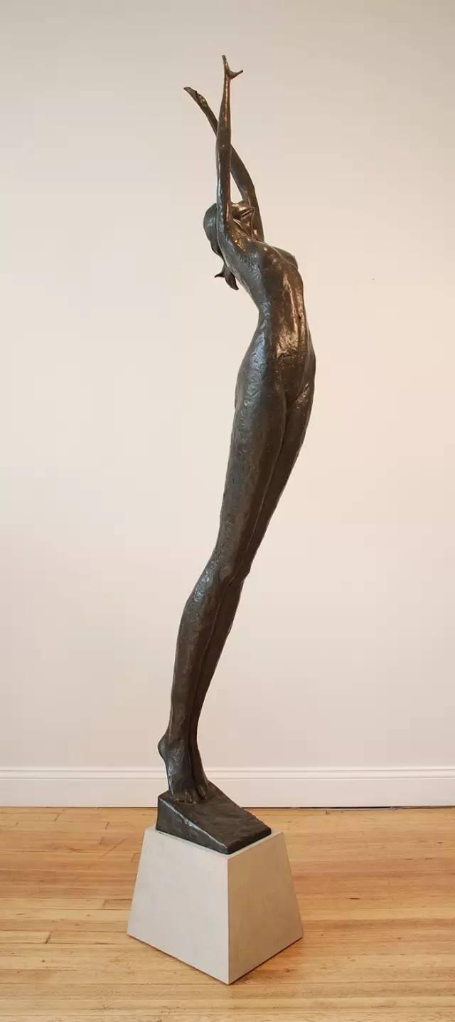 高清人体艺术囹�a�f_现代雕塑家这样玩人体艺术