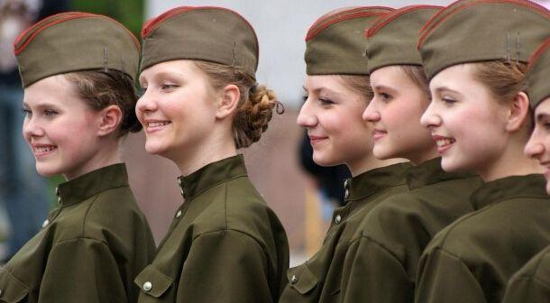 女兵人是什么_世界各国女兵颜值高,中国女兵最显眼!