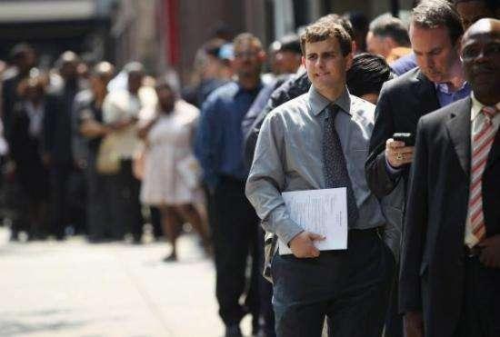 美国大学生毕业演讲_毕业季来临,美国大学生是怎么找工作的?