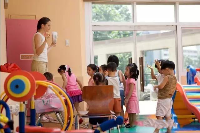 香港教学语言环境