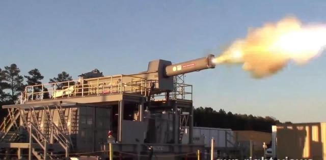 超远射程新式武器:电磁轨道炮