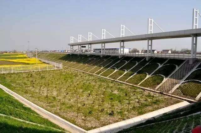 望7月1日开行如东至南京快速旅客列车一对,沿途停靠扬州,泰州,海安县