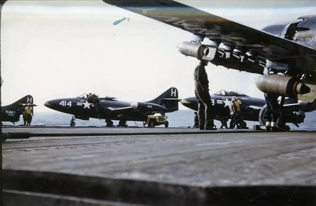 雅克 1战斗机_朝鲜战争中的美军航母 喷气式舰载机首次参战