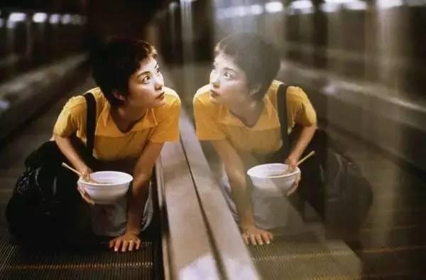 rihantoukuidianying_世上最纯真的偷窥大概就是电影中以暗恋为名的偷窥,它奇情而浪漫.