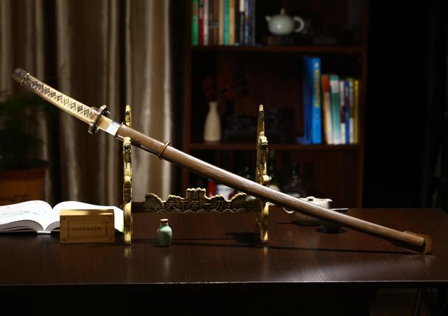 日本武士刀_寒光闪闪下的利刃——日本95式军刀