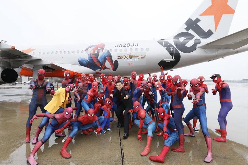 《蜘蛛侠》全球巡回快闪活动 荷兰弟空降巴塞罗那