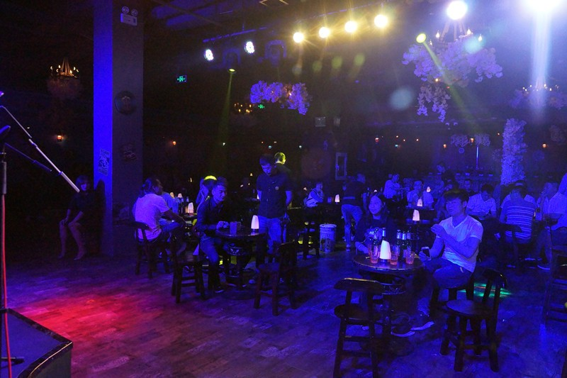 玩逼�_绝逼玩咖新地标!明星嗨爆里享音乐酒吧!每晚都是演唱会!神木人约不约!
