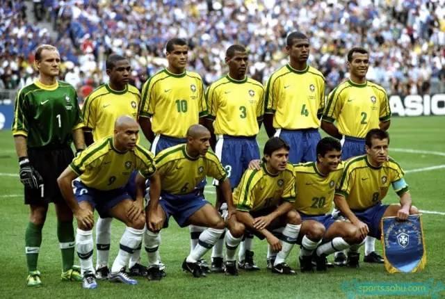 巴西世界杯主力阵容_98年世界杯决赛上的罗纳尔多到底怎么了?