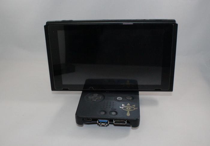 """這位玩家將GBASP掌機改造成了Switch的底座"""""""