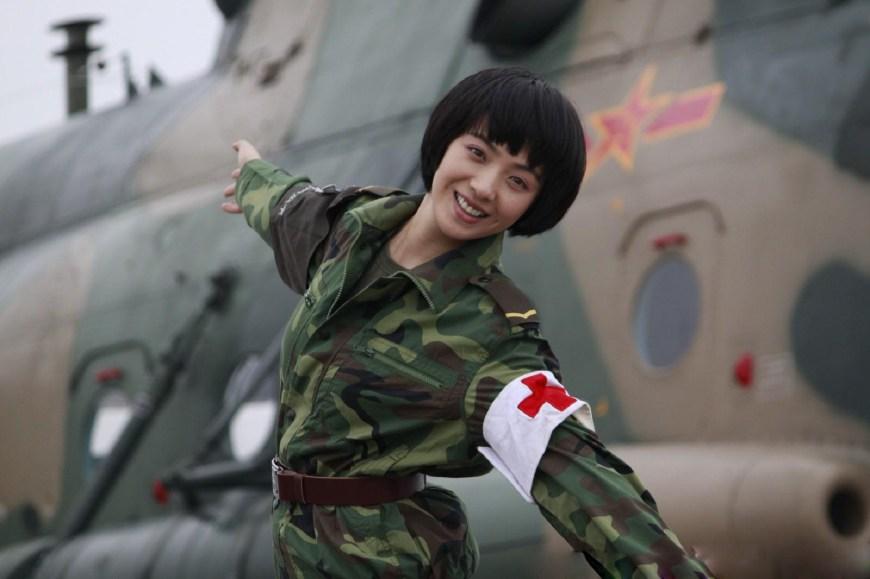 刘晓洁军装_从女神到女军人,这六位女星谁演军人更动人