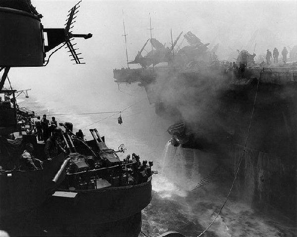二战日本神风特攻队_二战中日军神风特攻队战斗力如何?三名飞行员重创一艘航母