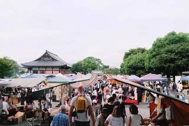 日本地�_日本人也爱逛地摊,京都每月都能遇上这些挖宝市集