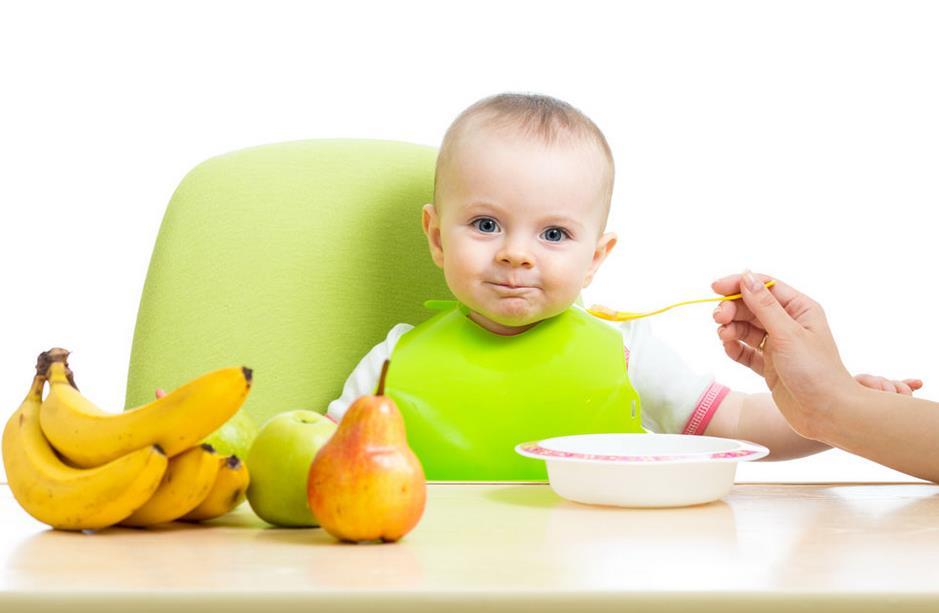 小孩发烧能吃水果_小宝宝喝果汁VS啃水果,究竟应该怎么吃才好?