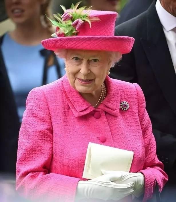 小�_RoyalAscot|帽装仙女与草地狂欢