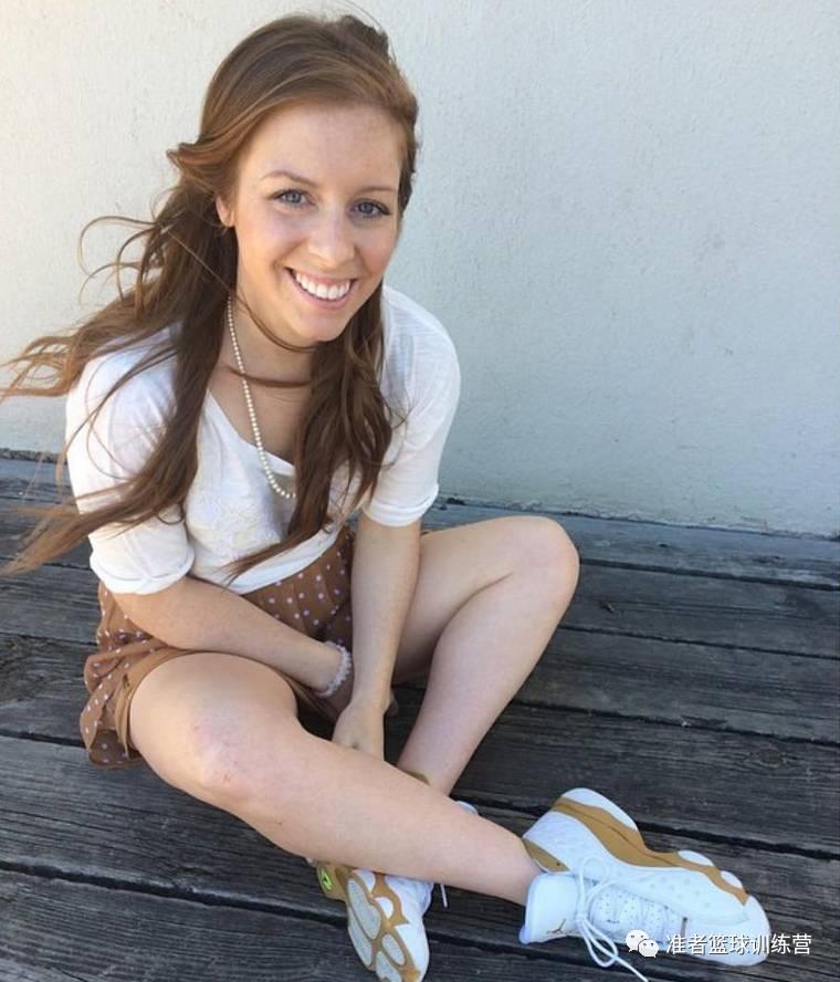 偷拍�ykd9�)��,_女生拥有上千双球鞋,多到只能用车拉走!