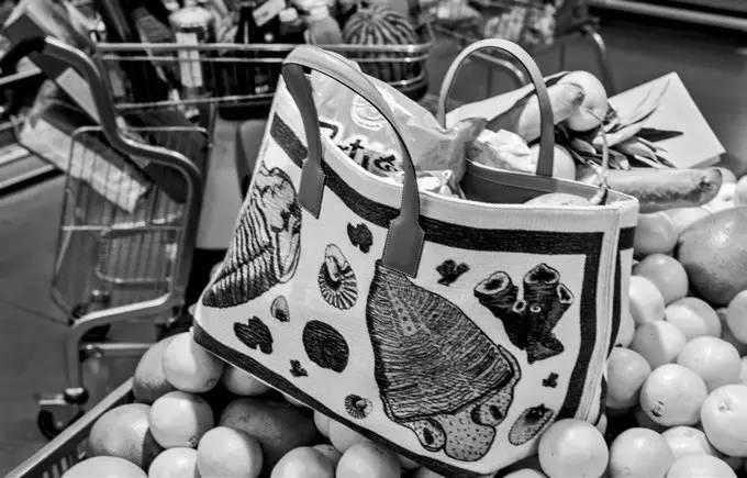 纯真的意思和拼�_拍摄日记|你喜欢逛超市吗