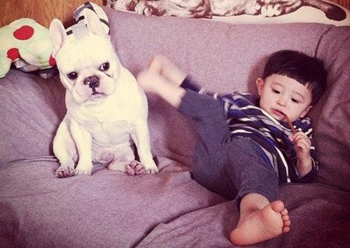 小孩子不拉屎_周令瑜:孩子在日常生活中,如何确立正确的态度?_搜狐母婴