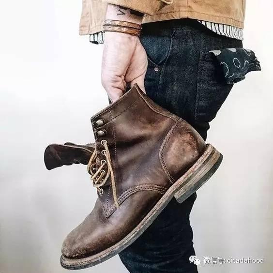 """男今年流行什么�yg�_为什么说夏天敢穿靴子的人,才是真的""""婊""""?"""