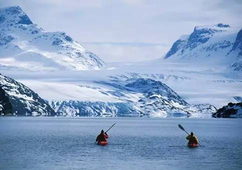 格陵兰岛有多少人口_日本九州三岛村给每个新住户送一头牛