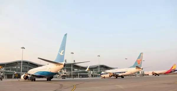 旅游 正文  南通兴东机场位于南通市区东北的通州区兴东镇,距市中心